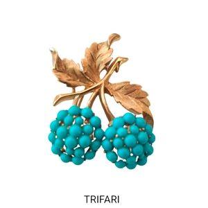 VTG Crown Trifari berry brooch w/turquoise EUC